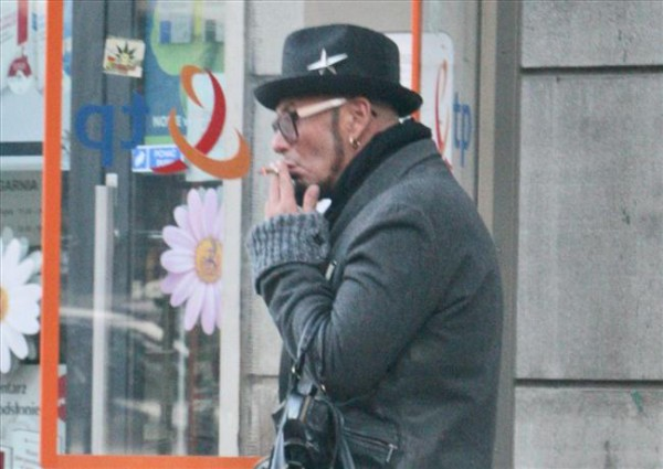 Jacyków kopci papierosy jak parowóz!