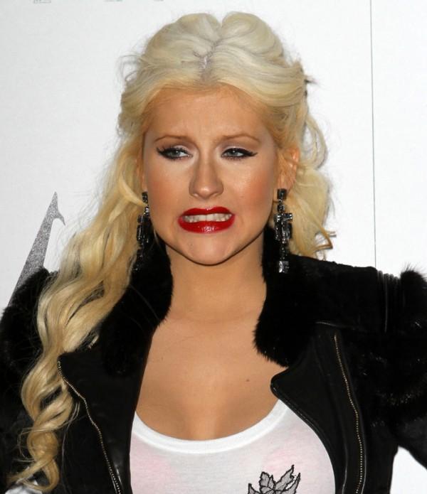 Aguilera się tłumaczy !!