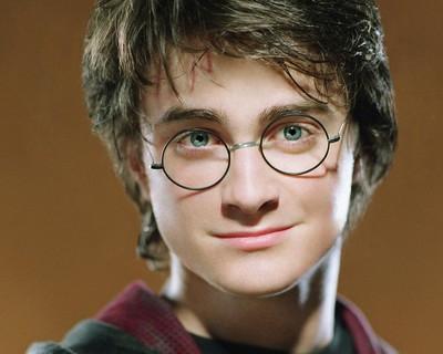 Zobacz jak zmieniał się Harry Potter!