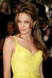 Angelina Jolie będzię rozdawać...