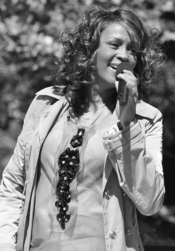 TESTAMENT Whitney Houston!