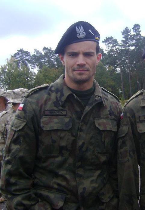 Mikołaj Krawczyk w roli żołnierza!