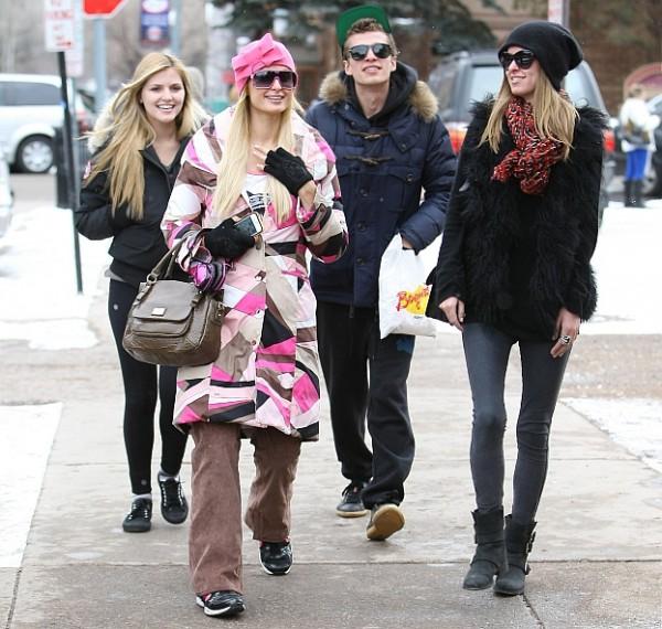 Zobacz, co Paris Hilton robi w święta!
