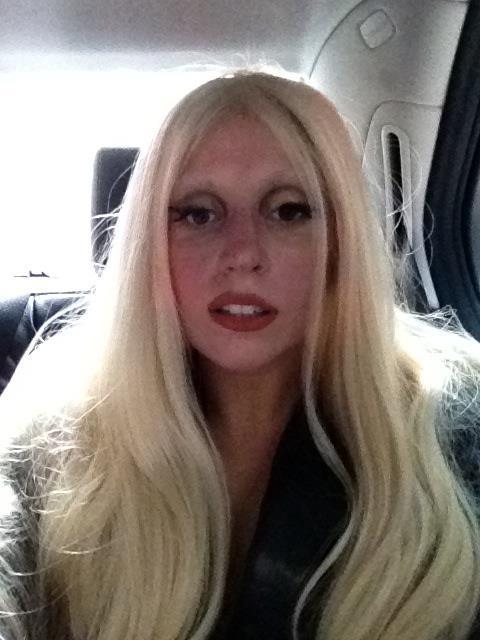 Lady Gaga Bez Makija  U