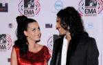 Katy Perry podpisała papiery rozwodowe z uśmieszkiem!