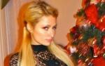 Urocza Paris Hilton przy choince!