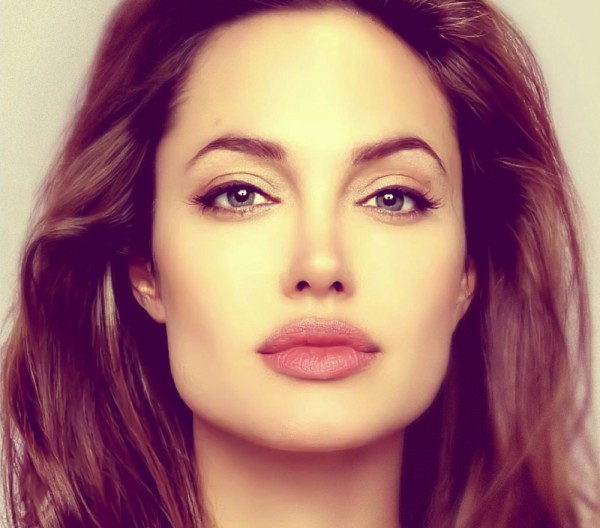 Angelina Jolie w roli WIEDŹMY?