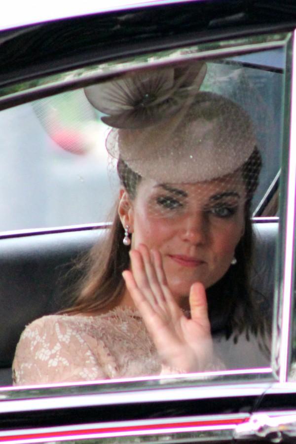 Księżna Kate robi zakupy...NA KRESKĘ!