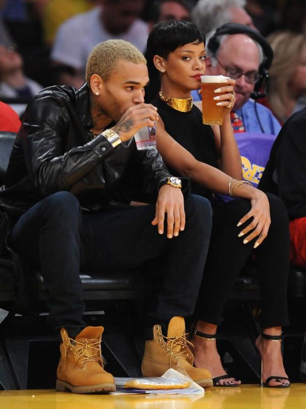 Chris Brown ZDRADZA RIHANNĘ!?