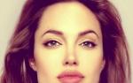 Angelina Joli USUNĘŁA PIERSI